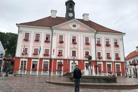 Town Hall ve ben