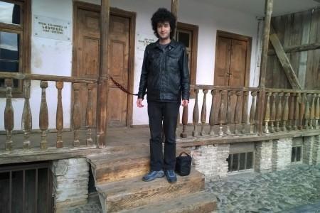 Stalin'in doğduğu ev ve babasının alt kattaki ayakkabı tamir atölyesi
